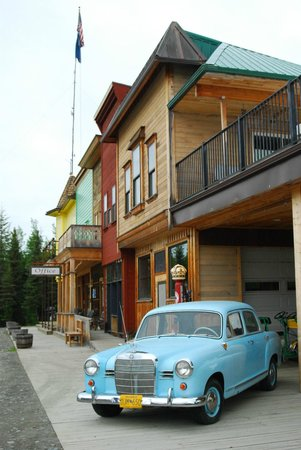 Diamond M Ranch Resort : Historical Suites in Mainstreet Lodge