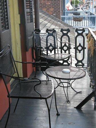 Olivier House Hotel: Balcony