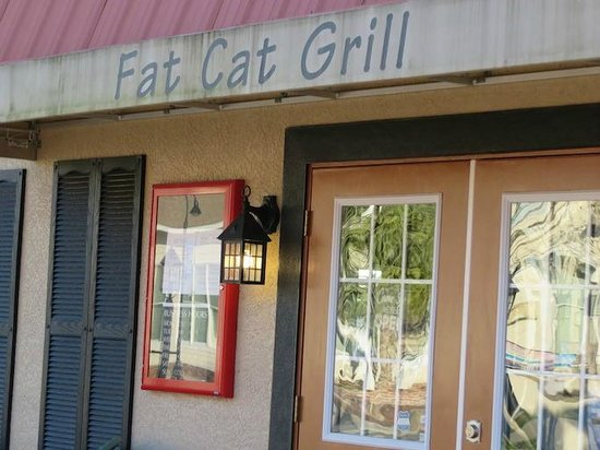 Entry to Fat Cat Grill