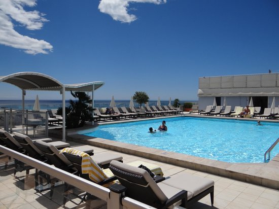 Radisson Blu Hotel, Nice : Pool
