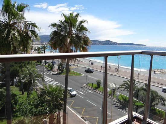 Radisson Blu Hotel, Nice: Beach View from room
