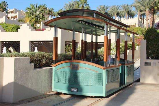 Four Seasons Resort Sharm El Sheikh: The wonderful funicular