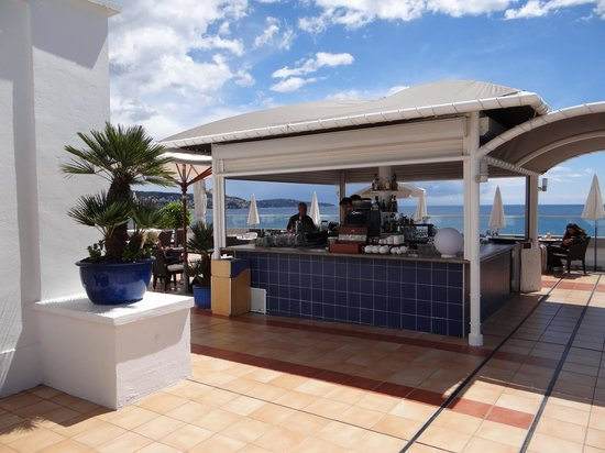 Radisson Blu Hotel, Nice: pool bar
