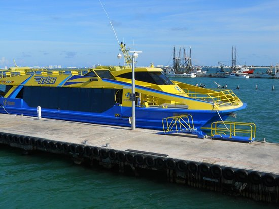 Ultramar: One of the boats