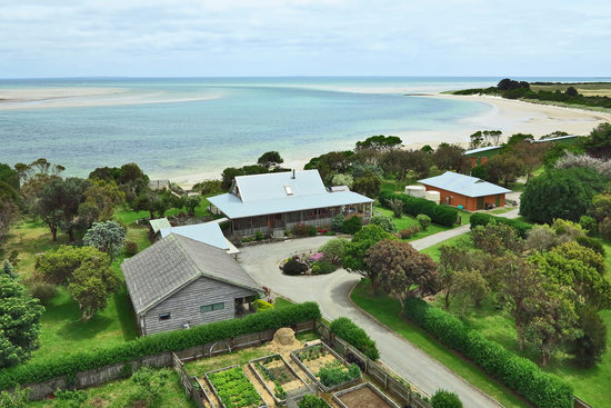 Beachside Retreat West Inlet: Homestead and 3 Bedroom Lodge