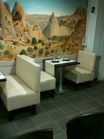 Pamukkale : La salle du restaurant .