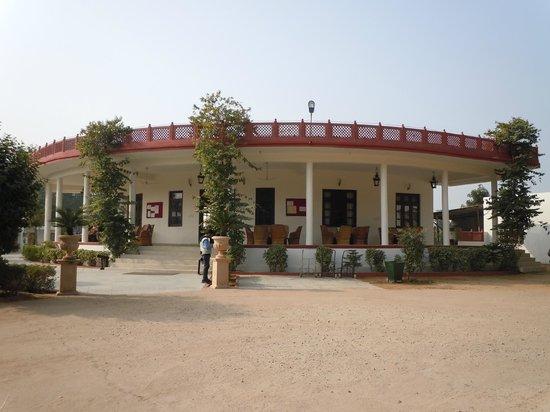 Tiger Den Resort: Dining room