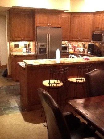 Powder Run Condominiums : kitchen