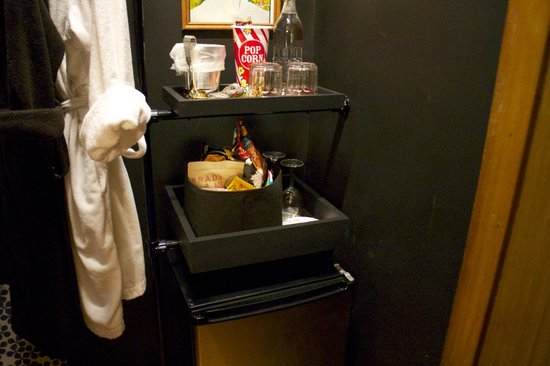 Made INN Vermont, an Urban-Chic Bed and Breakfast: Complimentary snacks