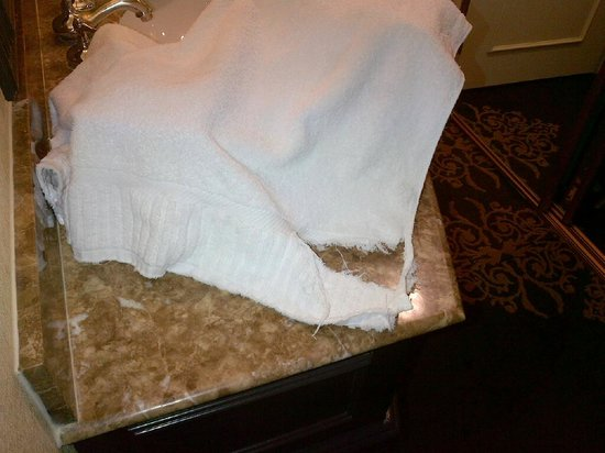 Miramonte Indian Wells Resort & Spa: our bath towel