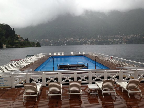 Villa d'Este: Hotel Pool on the lake