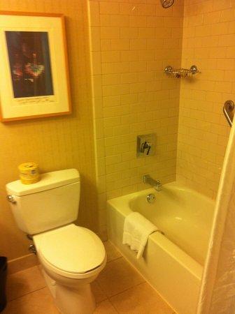 Sheraton Seattle Hotel: Bathroom