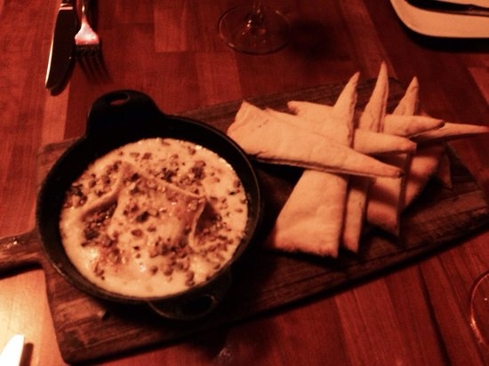 Jackson's Bar and Oven : Tasty cheese fondue with gluten free bread (freshly made)!!  DELICIOUS!