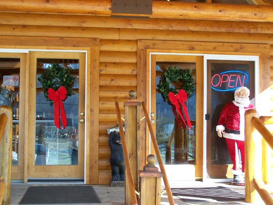 Mount Aire Motel: Christmas in the mountains is a beautiful time to visit