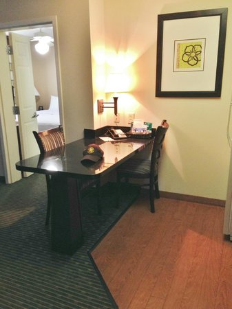 Homewood Suites Orlando-Maitland : Dining Area