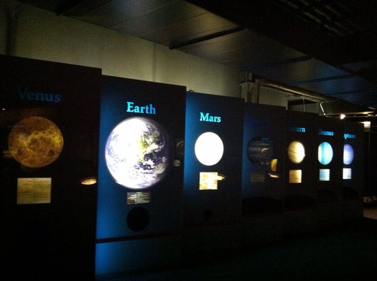 Boonshoft Museum of Discovery: Learning about planets