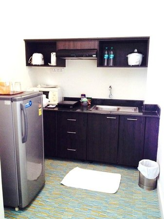 Star City Hotel & Serviced Apartments: Kitchen