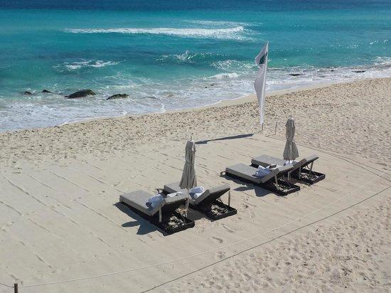 Sun Palace : Concierage on the beach