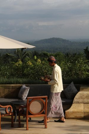 Amanjiwo Resorts : Dining terrace al fresco
