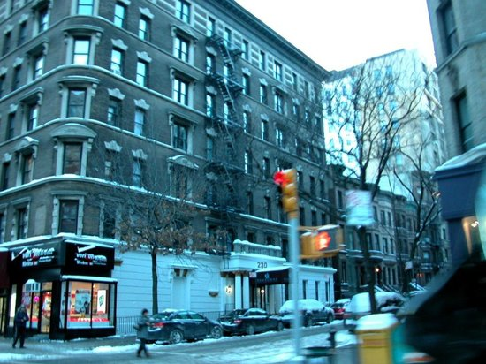 Broadway Hotel and Hostel: The hotel building, as seen from the west corner of 101st & Broadway
