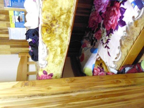 Cabinas El Pueblo Bed & Breakfast: nos lits super confo!