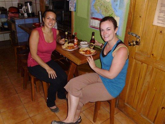 Cabinas El Pueblo Bed & Breakfast: souper qu'on s'est fait dans la cuisine commune