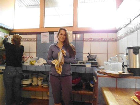 Cabinas El Pueblo Bed & Breakfast: tout le monde s'y met ce matin