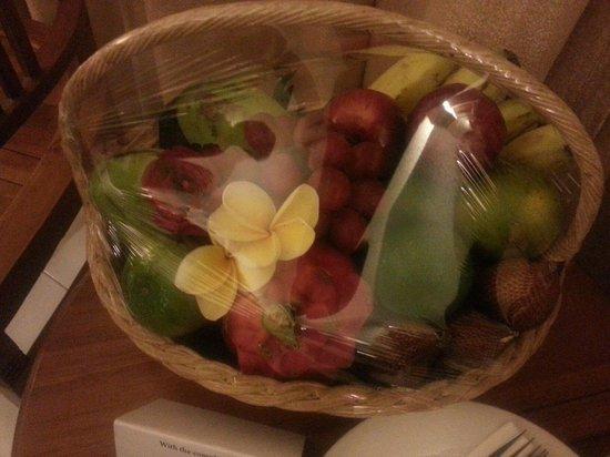 Wina Holiday Villa Hotel: Fruit Basket
