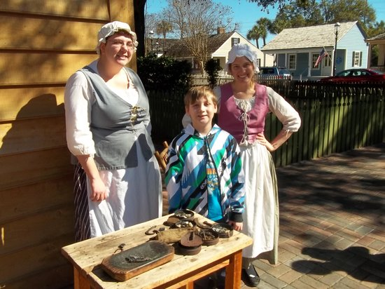 Historic Pensacola Village : Colonial wives in kitchen.
