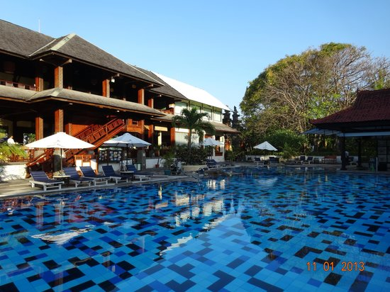Clean Big Hotel Swimming Pool Picture Of Grand Istana Rama Hotel