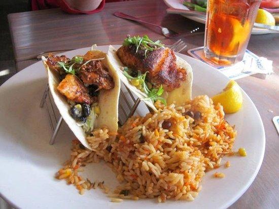 Sandbar Restaurant : Fish Tacos