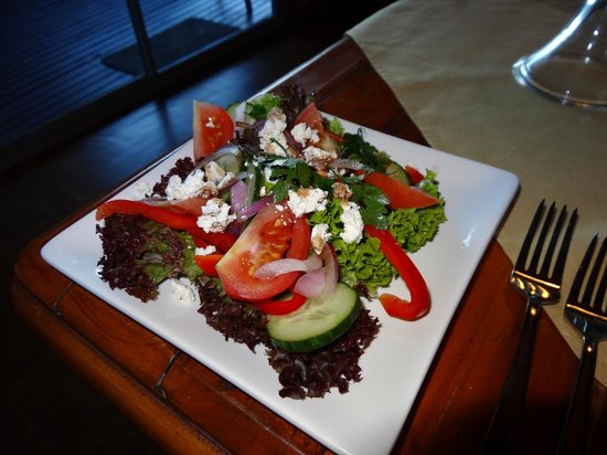 Tirimoana House: Greek salad