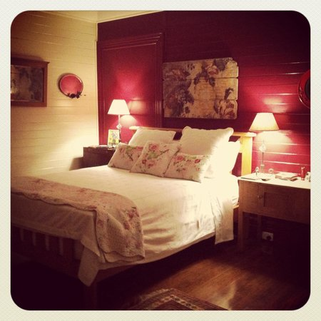 McGowans B & B: Our very comfy bed!