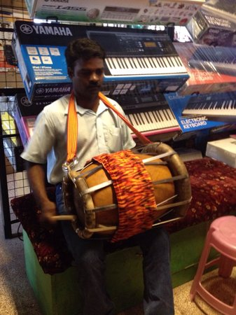 Mylapore: Thavil, south indian percussion