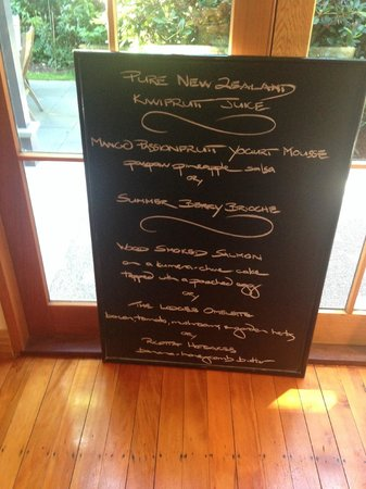 Arrowtown House Boutique Hotel: menu selection for breakfast changes everyday