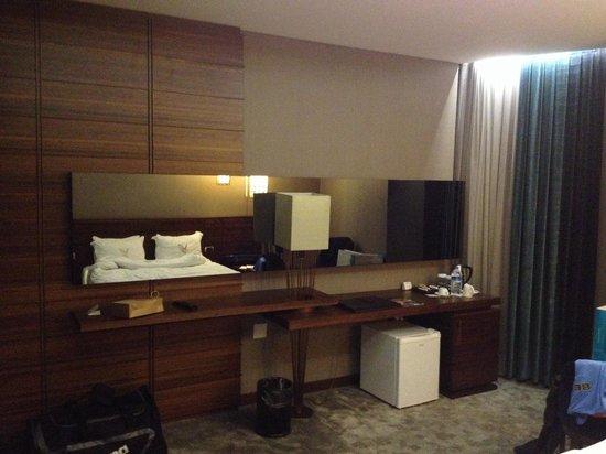 Gold Majesty Hotel : Mooi design met ingebouwde televisie