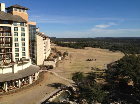 JW Marriott San Antonio Hill Country Resort & Spa : hill country view from patio