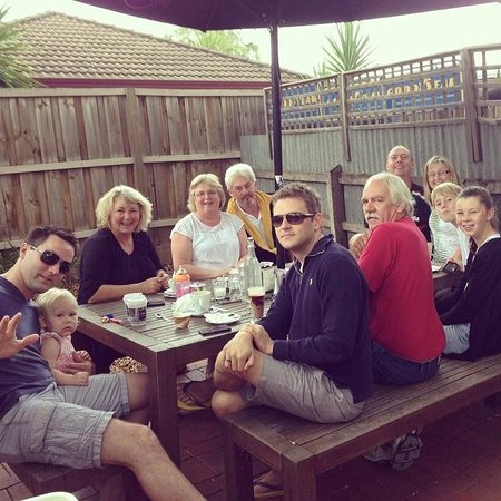 Brownz Courtyard Cafe: breakfast at the courtyard cafe Echuca
