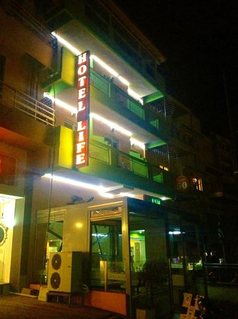 Life Boutique Hotel: Outside the hotel