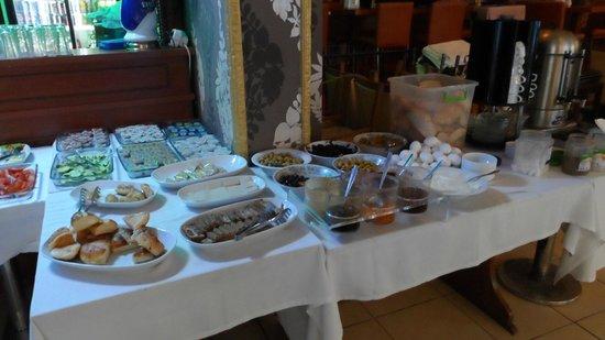 Emin Hotel : Desayuno