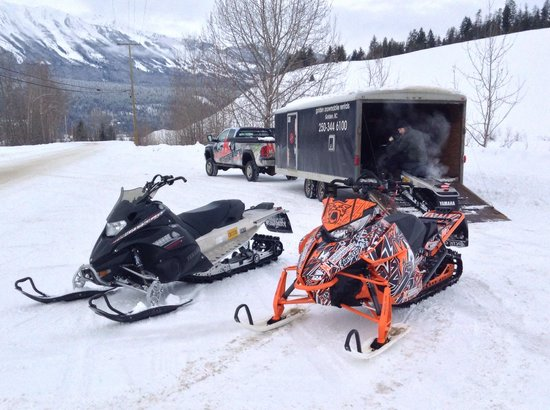 Golden Snowmobile Rentals & Tours: Starting a great adventure!