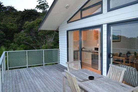 Waiheke Island Resort: Looking in from the deck