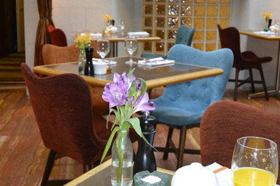 Hotel DeBrett: Breakfast room/restaurant