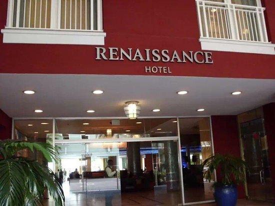 Renaissance Curacao Resort & Casino: entrada al hotel
