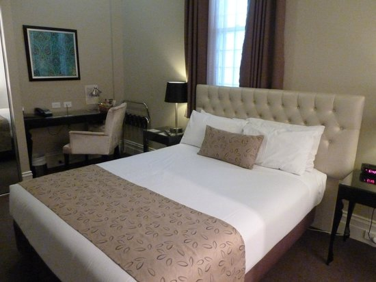 The George Hotel: Room