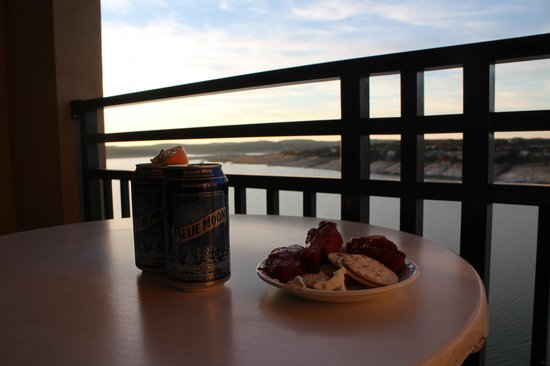 Lakeway Resort and Spa: Happy hour snack