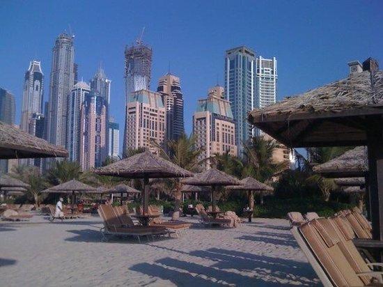 Grosvenor House Dubai: Zum Baden in Pool & Meer einfach per Shuttle ins Le Meridien