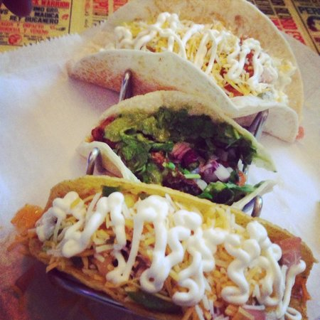 Lucharito's: Awesome tacos!