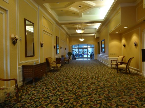 Monumental Hotel Orlando: secondary lobby