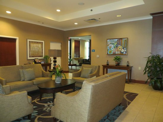 Staybridge Suites New Orleans: The lobby